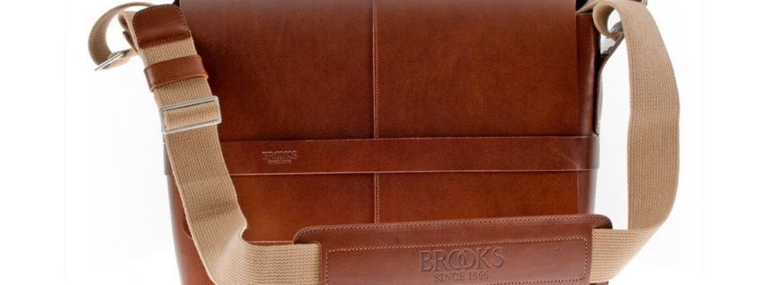 brooks-barbican-leather-shoulder-bag-2_1